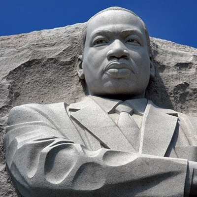 Martin Luther King Jr Monument 2011 690 Rev 690x469